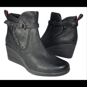 UGG EMALIE Zip wedge leather boots